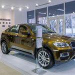 Audi, БМВ иMercedes отложили открытие новых салонов в российской столице