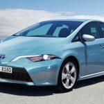 Компания Тойота приступила кпродажам вЯпонии нового Prius