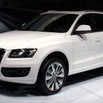 Новый кроссовер Ауди Q5 презентуют на автомобильном салоне встолице франции