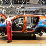 Производство авто в РФ всередине весны уменьшилось на21,7%