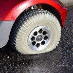 5 причин, отчего сдуваются шины