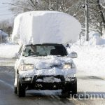 Почему нужно обязательно очищать снег с крыши автомобиля
